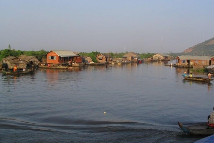 Leven aan de waterkant Cambodja